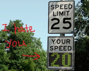 Radar_speed_sign_-_close-up_-_under_limit